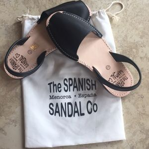 The Spanish Sandal. Black size 41.